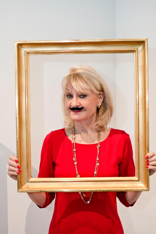 Alexandra-med-mustasch