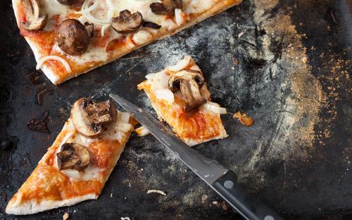 shutterstock_144423070 knäckepizza knäckebröd pizza doktorn matrecept tips massolit