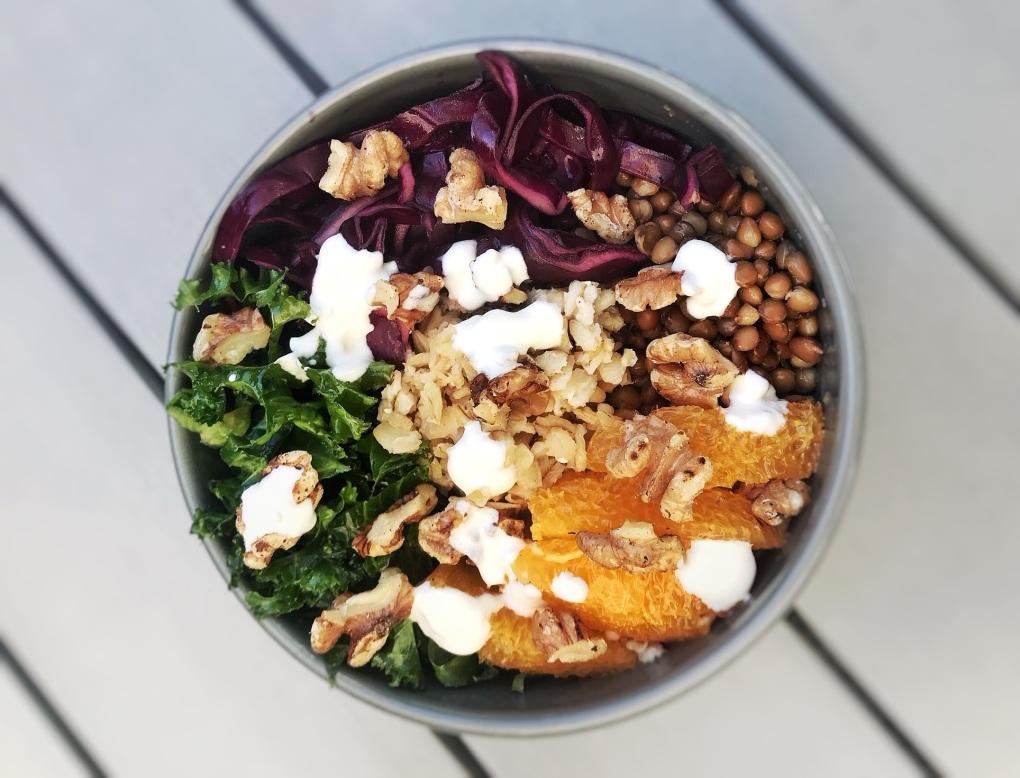 grönkålsbowl DOKTORN veckans recept från Belly Balance Sofia Antonsson.jpg